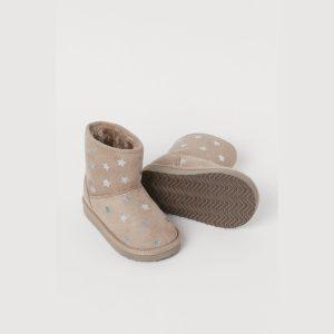 وفر معنا حذاء بوت للبنات أشتري قطعتين والثالثه هديه